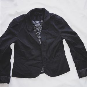 Short black H&M blazer